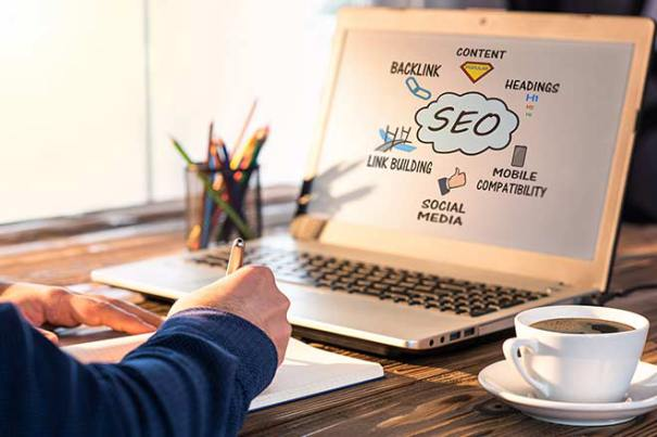 A la hora de elaborar una estrategia SEO hay que tener en cuenta a los potenciales clientes